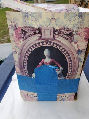 PORCELAIN LADY for Sale in Haines City, FL