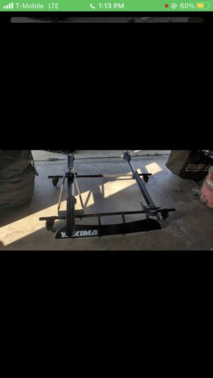 Yakima Roof Rack w/ Dual Bike Carriers & Fairing. for Sale in Los Angeles, CA