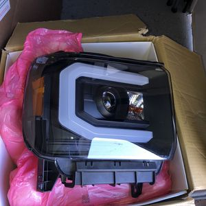 GMC Headlights for Sale in Madera, CA
