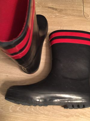 Hartstrings navy blue and red rain boots sz 3 for Sale in Seabrook, TX