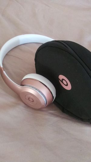 BLUETOOTH Solo Beats by DRE for Sale in Cleveland, OH