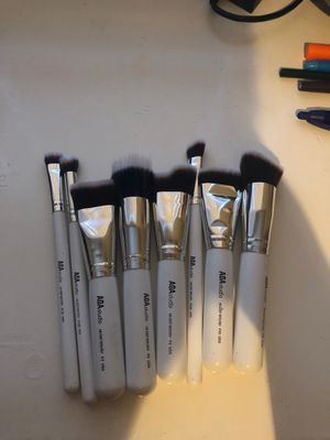 A0A studio makeup brushes 8ct for Sale in Dallas, TX