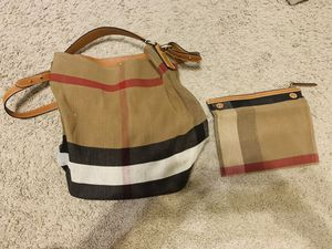 """BURBERRY BRIT """"Medium Ashby"""" Hobo Bag (tan color) for Sale in Cypress, TX"""