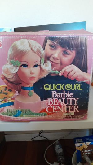BARBIE QUICK CURL BEAUTY CENTER USED BY MATTEL for Sale in Kissimmee, FL