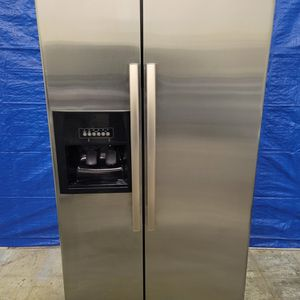 Whirlpool Stainless Steel Fridge Good Working Conditions for Sale in Wheat Ridge, CO