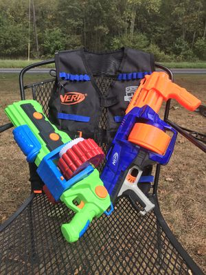 Nerf guns and Vest w/bullets for Sale in Federalsburg, MD