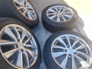 "17"" Infiniti / Nissan wheels tires like NEW W/ TMPS SENSORS for Sale in Gardena, CA"