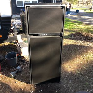 Rv Refrigerator 10cu for Sale in Biggs, CA
