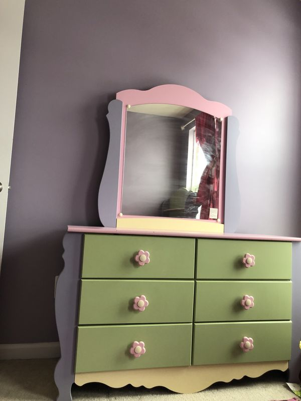 Girl twin bedroom set