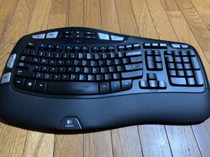 Logitech K350 keyboard with USB receiver for Sale in Jersey City, NJ