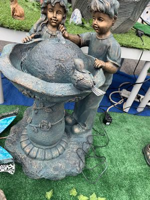 Kids fountain for Sale in Maywood, CA