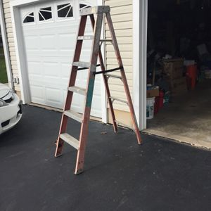 6ft Ladder Ridgid 300 Lbs for Sale in Plumsted Township, NJ