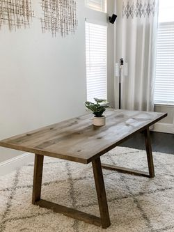 6FT x 3FT Farm House Dining Table for Sale in Fresno,  CA