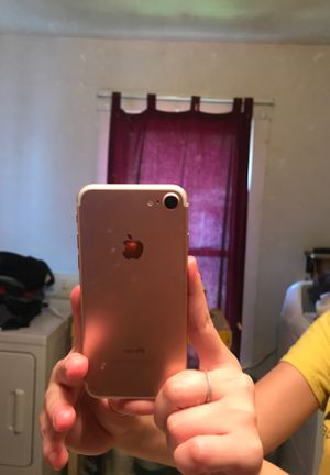Iphone 7 UNLOCKED for Sale in Elmira, NY