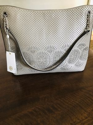 NEW Tory Burch stunning center zip tote! for Sale in Silver Spring, MD