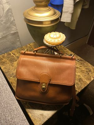 COACH Vintage Willis Leather Messenger Handbag Shoulder for Sale in Dearborn, MI