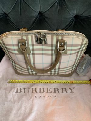 Burberry bag pink 100 % genuine for Sale in Los Angeles, CA