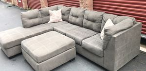 Absolutely amazing grey sectional couch for Sale in Bothell, WA