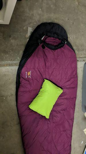 Mountain hardwear sleeping bag for Sale in Tempe, AZ