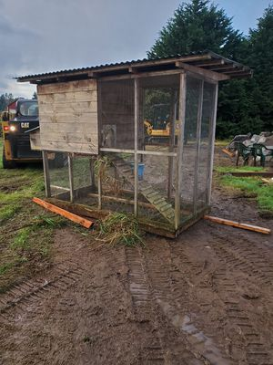 Chicken coop for Sale in Mill Creek, WA
