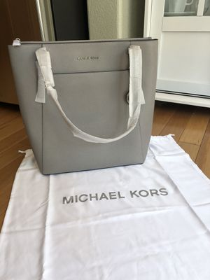 Michael kors large tote for Sale in Lafayette, CO