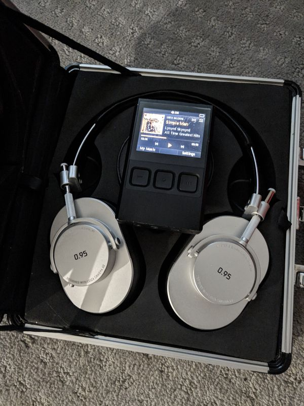 Ibasso dx50 and master and dynamic mh40 special edition HiFi setup