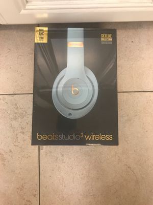 BRAND NEW BEATS STUDIO 3 WIRELESS for Sale in Los Angeles, CA