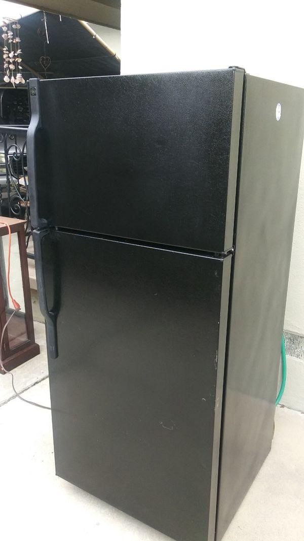 GE 28w28d64.75h refrigerator/freezer