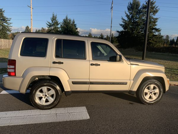 2011 Jeep Liberty 4x4 for winter!!!