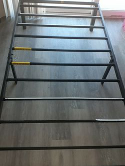 Metal Twin Bed Frame for Sale in Palos Verdes Peninsula,  CA
