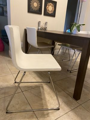 6 White leather chairs - dining table Set for Sale in DeBary, FL