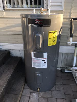 $$230$$! Electric water heater- boiler electrico (50 gal!) for Sale in Phoenix, AZ