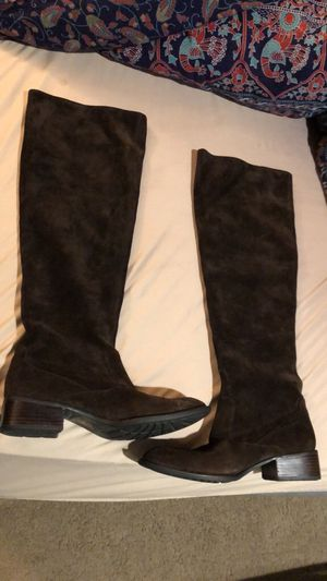 Born Crown suede boots for Sale in Bothell, WA
