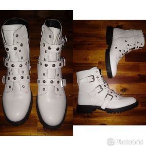 short white boots size 7.5 for Sale in New York, NY