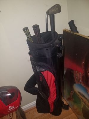 Golf clubs set of 5 good condition barely used for Sale in Manassas Park, VA
