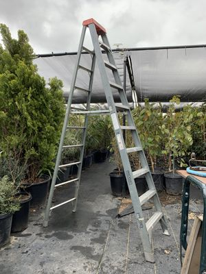Ladder 10ft for Sale in Highland, CA