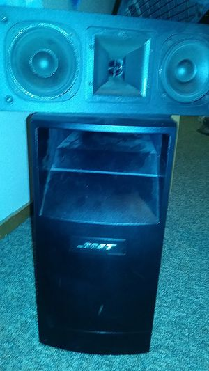 Bose subwoofer and klipsch center speakers for Sale in Portland, OR