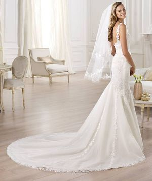 Pronovias Omilu mermaid wedding dress gown tulle ivory NEW WITH TAGS never worn or altered for Sale in Fountain Valley, CA