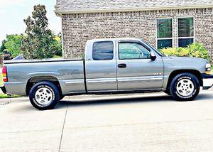 ֆ12OO 4WD CHEVY SILVERADO 4WD for Sale in Modesto, CA