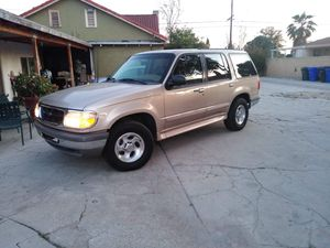 1997 Ford Explorer clean title 4X4 for Sale in Fontana, CA