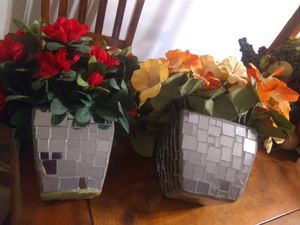 Home Interiors. Beautiful flower arrangement. With beautiful vase. Both for$35 for Sale in Fort Worth, TX
