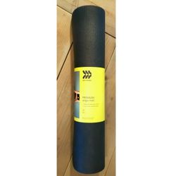 Yoga mat 5mm Brand new for Sale in Sacramento,  CA