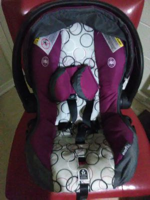 Infant girls car seat for Sale in Brandon, MS