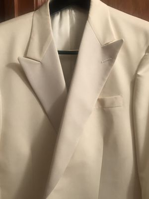 Tom James Custom off White Tuxedo Jacket, size 40R. New and never Worn for Sale in Orlando, FL