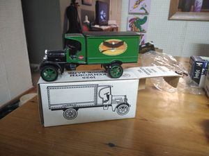 ERTL diecast metal vintage collectible truck bank for Sale in O'Fallon, MO