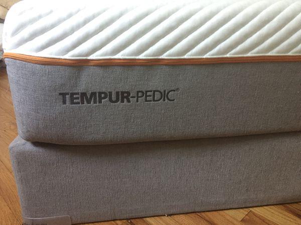 Queen TEMPUR-Pedic Contour Supreme Mattress - Excellent Condition