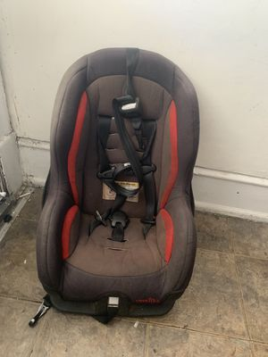 Even flo convertible car seat for Sale in Philadelphia, PA