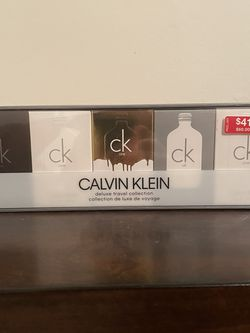 Calvin Klein Deluxe Travel Collection for Sale in Chesterfield,  MO