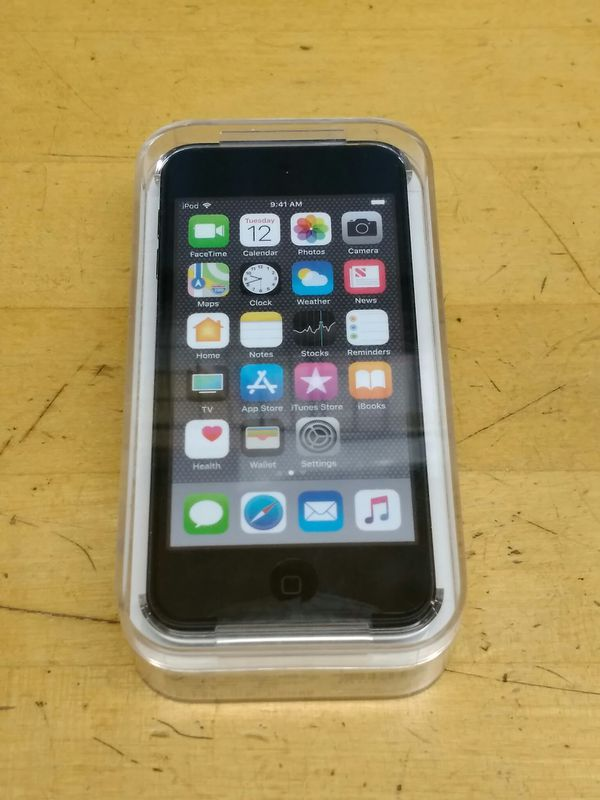 $300 - NEW SEALED Apple iPod iTouch 6th Gen 128gb Black (MKWU2LL/A)