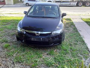 Honda cívica 2011 título limpio for Sale in Miami, FL